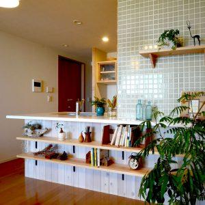 北区のキッチンリノベーション〜無垢材とタイルで彩るセルフリノベーション〜