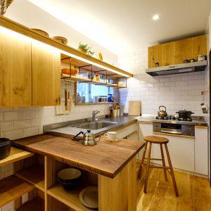 大磯のキッチンリノベーション〜自然素材に触れる2坪のオーダーキッチン〜