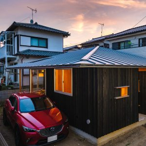 平屋を包む大屋根の家〜北本市の新築住宅〜